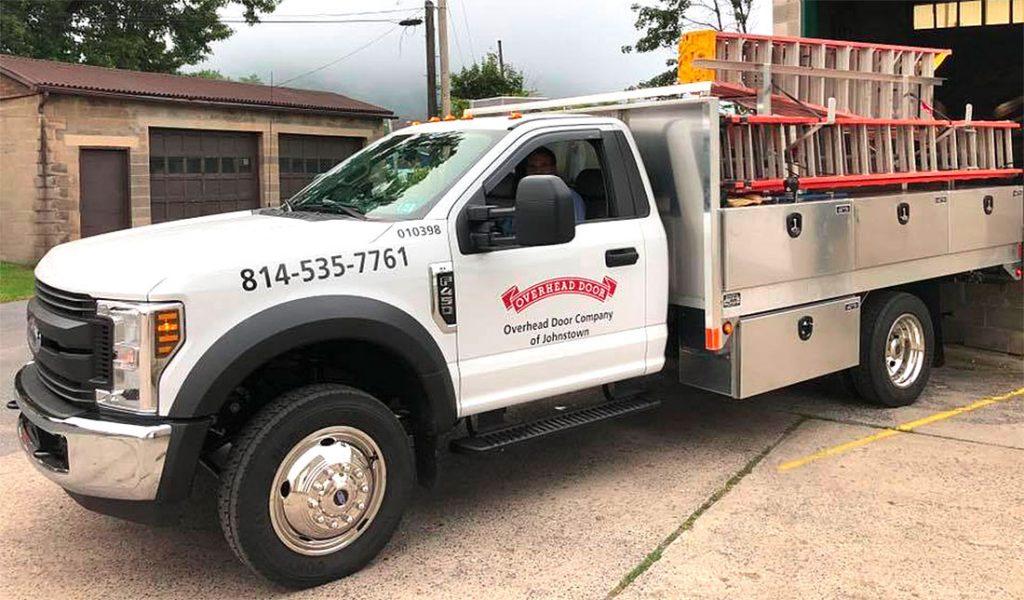 repair-service-truck